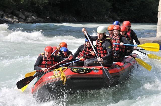 rafting-293542_640
