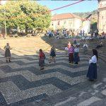 Meninas a brincar mosteiro de arouca